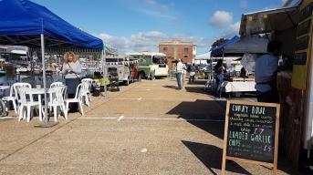newport-harbour-food (Medium)